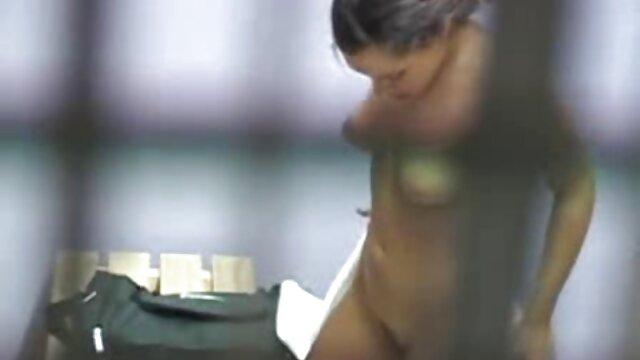 Kobiety red tube darmowe filmiki w szatni