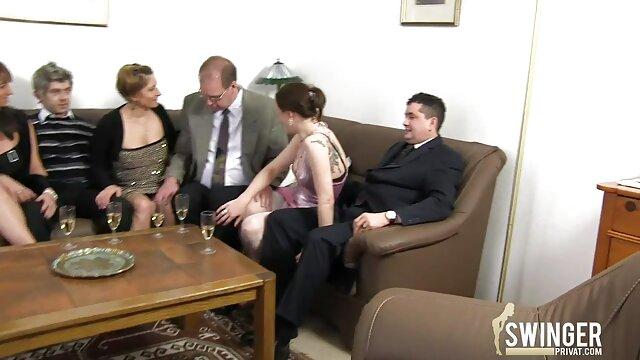 Mama uczy swoją sex filmy red tube dziewczynę jeść